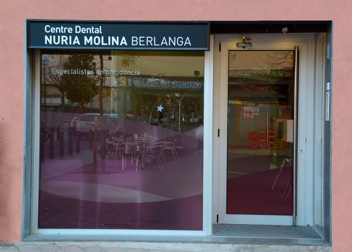 Centre Dental Molina, en calle Baltasar Gracián núm. 28 de Barcelona.
